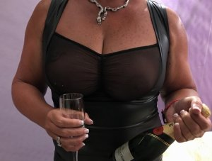 Celiane adult dating & independent escort