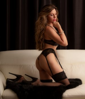 Anyvonne sex club, escort
