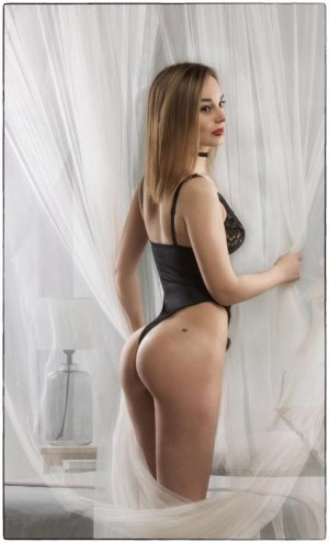 Anna-gaelle independent escort